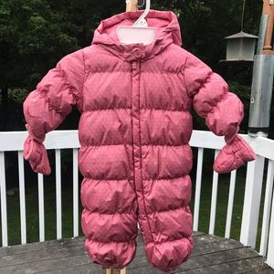 Gap-baby girl snowsuits in pink size 6-12 months